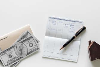 paying money image